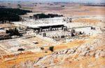 15/30 - Ruïnes van paleisstad Persepolis gezien vanaf de berg Kuh-e Ramat